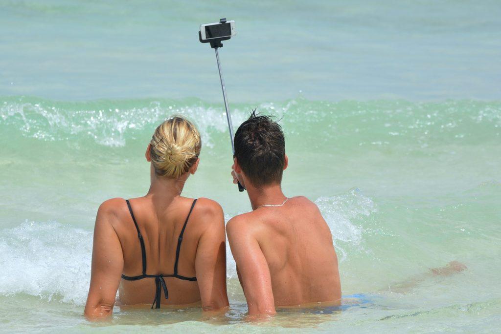 selfie-900000_1280