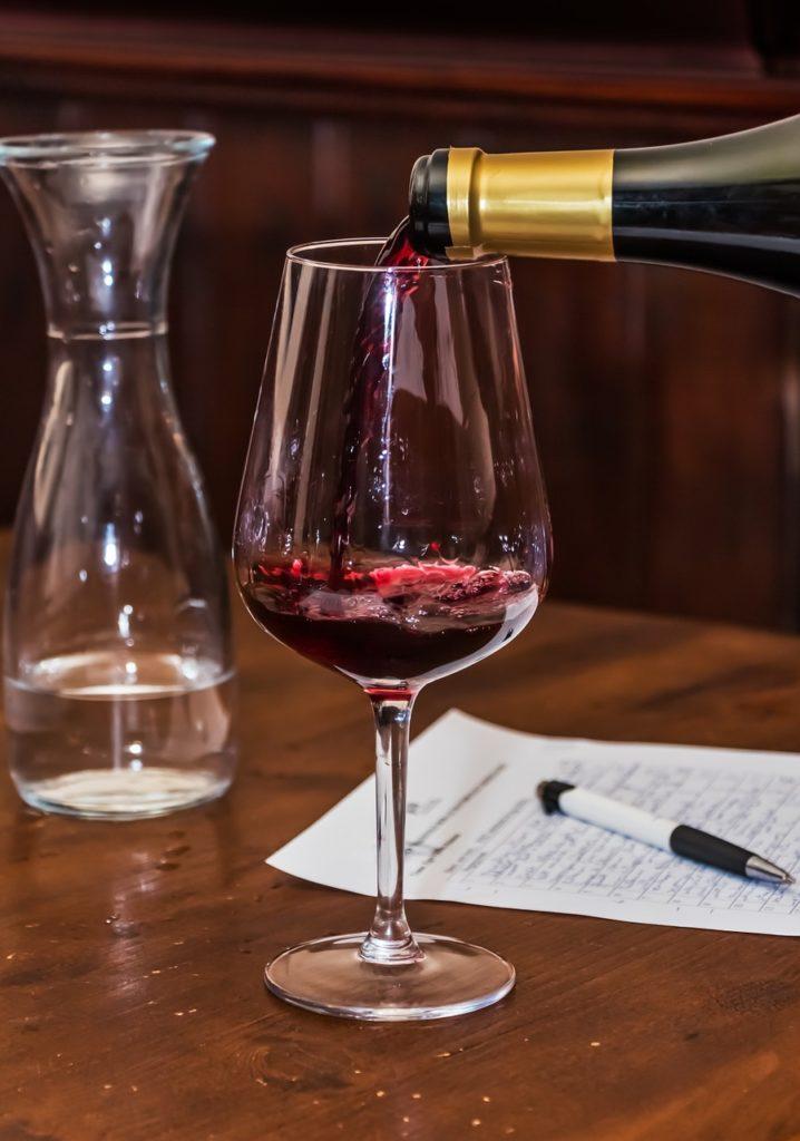 Buvez de l'eau et du vin